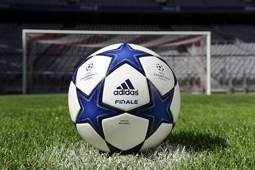 Los partidos de octavos de final de la champions league for Horario oficina ing barcelona