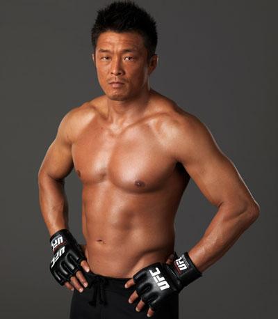 """Yoshihiro """"Sexyama"""" Akiyama 277007_1"""