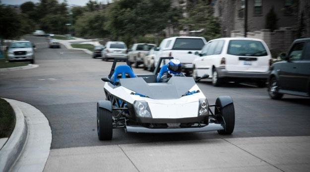 Epic ev torq con 200hp y tres ruedas for Epic motors san diego