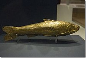 220px-Gold_fish_shaped_vessel_from_the_Oxus_Treasure_by_Nickmard_Khoey