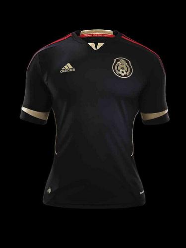 La nueva camiseta oficial del uniforme de la Selección mexicana 2011 ... b90137824c6aa